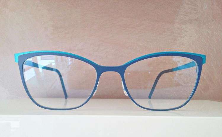 Blackfin, gli occhiali azzurro blue donna