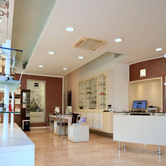 interno negozio ottica Cavallaro