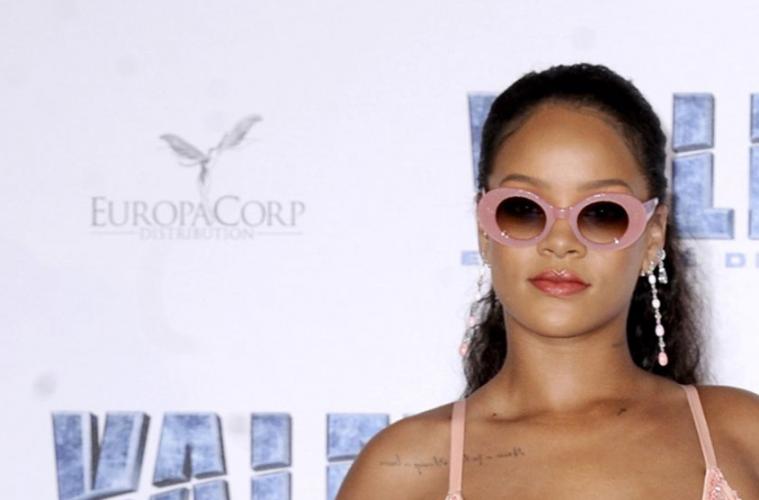 Rihanna Cutler & Gross occhiali da sole
